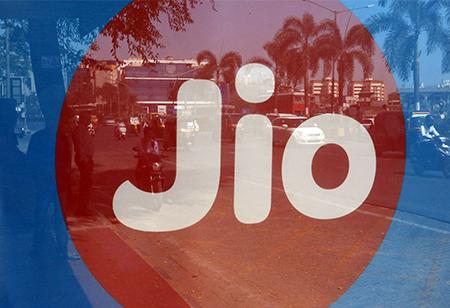 Reliance Jio & Airtel competes for Anil Ambani's RCom assets